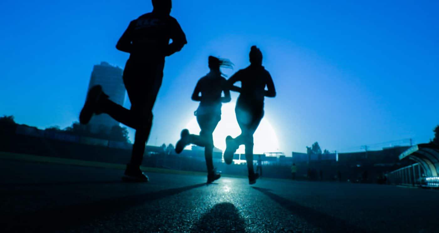 People running at night